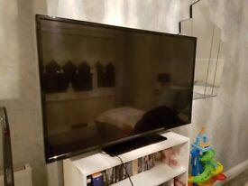 Hitachi 48inch ; Model 48HBT62U K Freeview HD TV