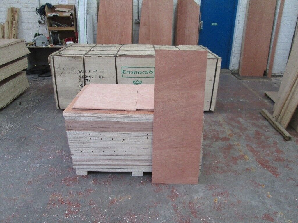 Pallet Of Plywood Offcuts Inc Delivery 35 Full Sheets