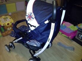 Graco buggy navy and white