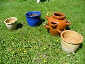 Set of 4 flower pots