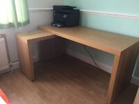 Desk in very good condition for sale or exchange for a smaller one!!!