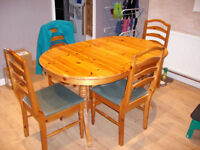 Extending Solid Pine Table and 4 Chairs.