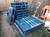 Wooden Pallets - FREE to £3 per pallet
