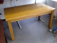 Beautiful Solid Hardwood Light Oak Dining Table