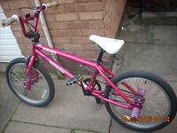 girls full size mongoose bmx bikein full working order