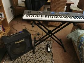 Piano keyboard SP4-7 semi weighted keys and Roland amp