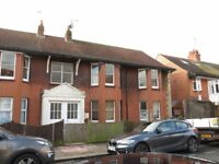 WORTHING: enormous 3 bed flat