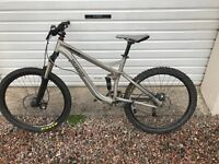"2010 Specialized Pitch Pro Mountain Bike 26"" wheel"
