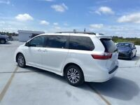 Miniature 8 Voiture Asiatique d'occasion Toyota Sienna 2020