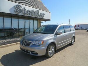 2016 Chrysler Town & Country TOURING-L DVD! LEATHER! POWER DOORS