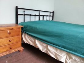 ROOM TO LET NEARBY TOWN CENTRE