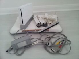 Wii game console kit and 5 games