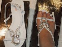 Ladies White Diamonte Toe Post Sandal size 5
