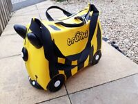 Kids's Bumble Bee Trunkie Suitcase