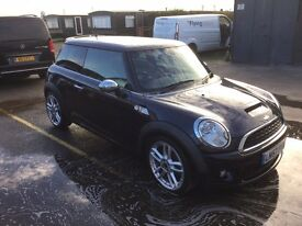 Immaculate Mini Cooper sport petrol with leather seats, lots of extras, service history.etc etc!