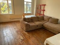 LOVELY LARGE 4 DOUBLE BED SPLIT-LEVEL FLAT IN GREAT LOCATION ON THE HOLLOWAY ROAD