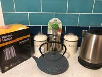 Russell and Hobbs Kettle and Tea Pot with free goodies