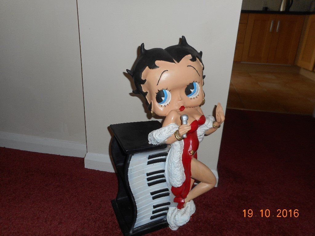 Betty boop keyboard cd rack in rayleigh essex gumtree betty boop keyboard cd rack geotapseo Image collections