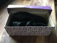 New Clarks Girls School Shoes Size 1 1/2