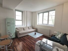 * Secure 1st floor 2 DOUBLE bed flat * Porter * Wood floors * Allocated PARKING * Near tube *