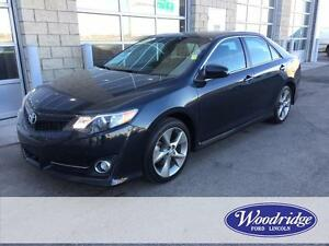2013 Toyota Camry SE 4 DR, AUTO, LEATHER, NAV