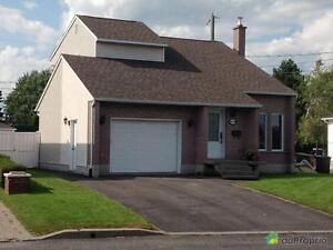 265 000$ - Maison à un étage et demi à vendre à Drummondvill