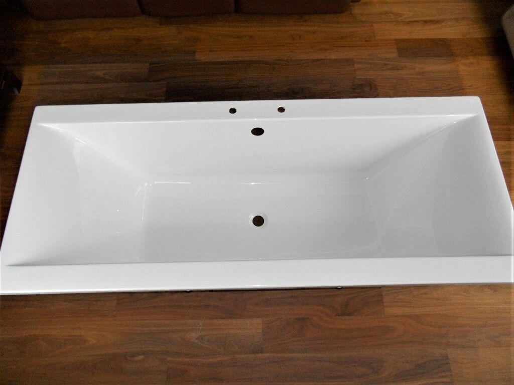 Designer Double Ended White Acrylic Bath. 1700mm x 700mm. Quality ...