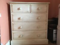 Bedroom Chest of Drawers in Cream
