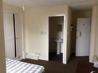 Clean Studio Flat to rent Leeds £68.00pw