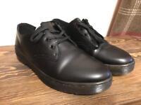 Women's Dr Martens Gizelle Shoes - UK 5