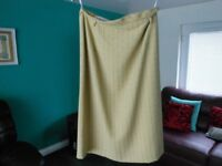 Jacques Vert 2 piece suit Green Size 12 in very good condition.