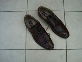 MEN'S BROWN BROGUE DRESS SHOES SIZE 11. VERY GOOD CONDITION