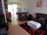 Spacious 2 bedroom flat in LU4 Leagrave area of Luton. Close to to Leagrave train station.
