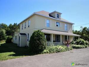 230 000$ - Maison 2 étages à vendre à Métis-Sur-Mer