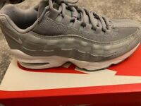 3d225a41b7 Juniors grey Nike Airmax 95's size 4.5 only ever worn once