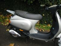 Piaggio Vespa ET2 ,ET4,LX exhaust,headlight,panel,brake,fork,clutch,wheel,tyre,engine,stand,speedo