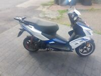Lexmoto FMR 125cc moped. Reasonable condition. Runs OK but a few Cheap and minor repairs needed