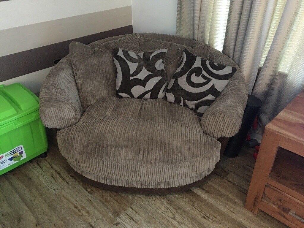 Harveys snuggle chair as new