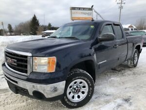 2009 GMC Sierra 1500 SL Ext Cab 4x4! V8 with Pwr Window's, Cr...
