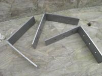 Heavy duty metal brackets.