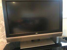 "37"" LG LCD TV"