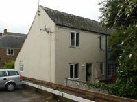 Bridport 2 Bed Victorian Cottage to let. Quiet square a few minutes from town centre.