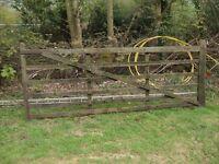 Field gate,Farm gate, Timber wide gate poss del.