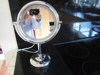 MIRROR - ILLUMINATED BEAUTY MIRROR AND ALSO MAGNIFYING ON ONE SIDE