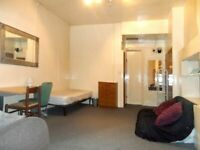 Excellent location 2/3 Bed Flat, Collingham Road, SW5 £440pw