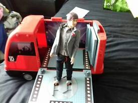 One Direction Tour Bus and 3 figures