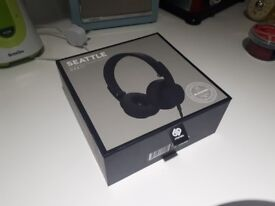 Top range black headphones - Urbanista Seattle - great last minute Christmas gift!