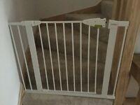 Lindham Sureshut Securus Safety Stair Gate