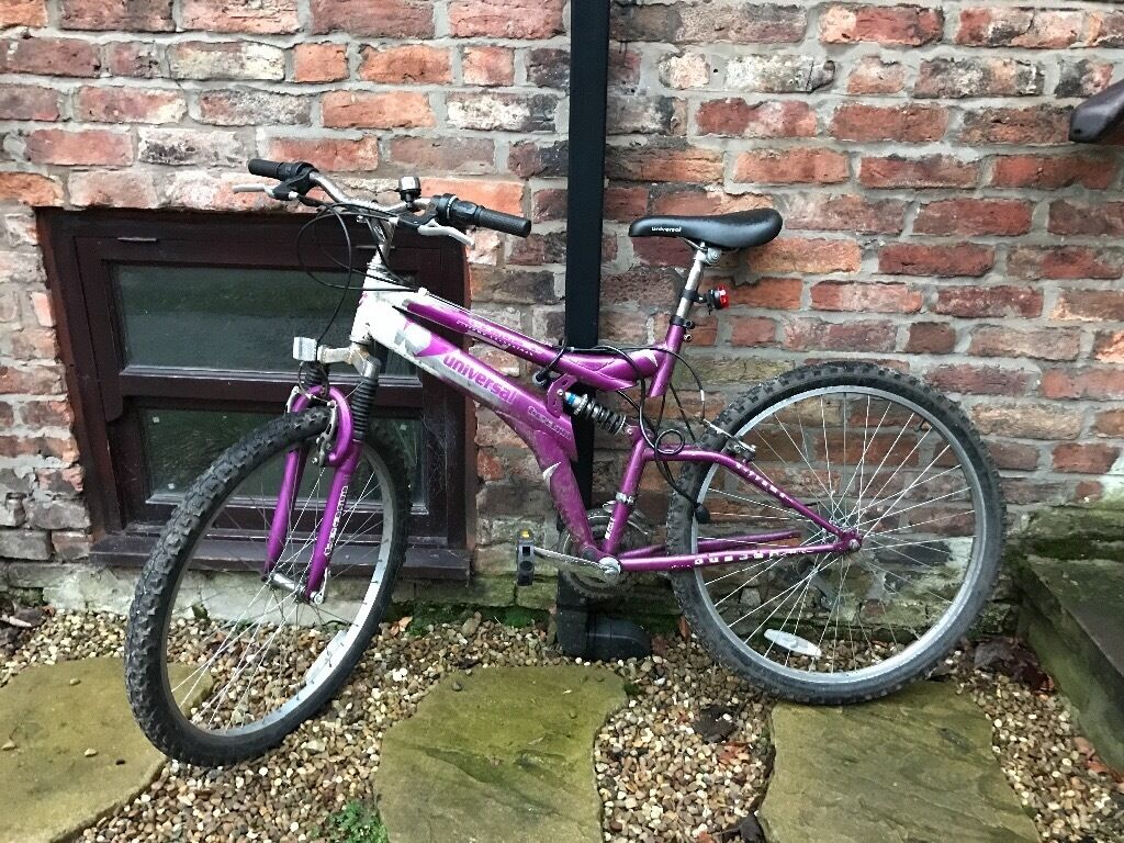 "Womens Purple Mountain BikeUniversal Comet 26in Didsbury, ManchesterGumtree - Womens purple mountain bike with high quality black, waterproof seat. Im 5ft 6"" and fits my height perfectly. There is however some rust near the bike handles so may need some TLC. Below is the manufacturers description for this model ""This is..."