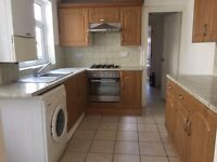 Nunhead SE15. Large, Light & Newly Redecorated 5 Bed 2 Bath Furnished House + Garden next to Station
